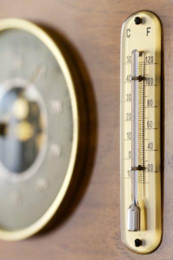Measuring station humidity